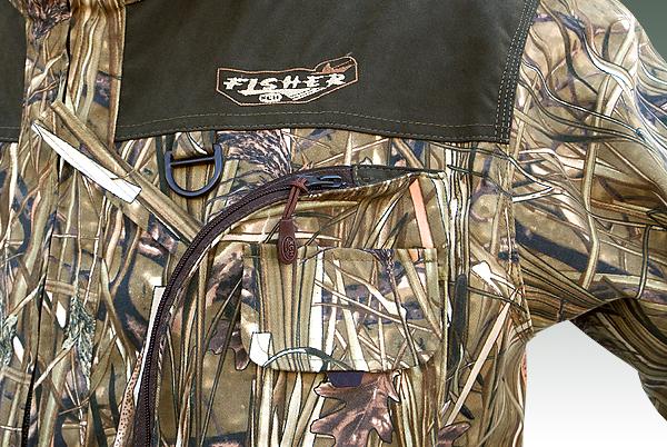 Два нагрудных объемных кармана застегивающихся на молнию для рыболовных коробок с дополнительными кармашками для сотового телефона и рации